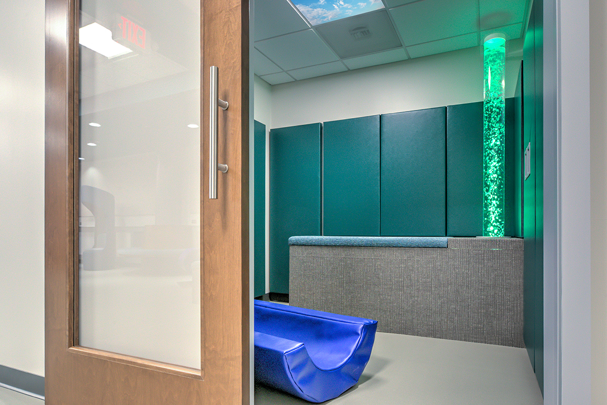 One of three individual rooms for single users or families with acoustic sliding doors for low noise levels.
